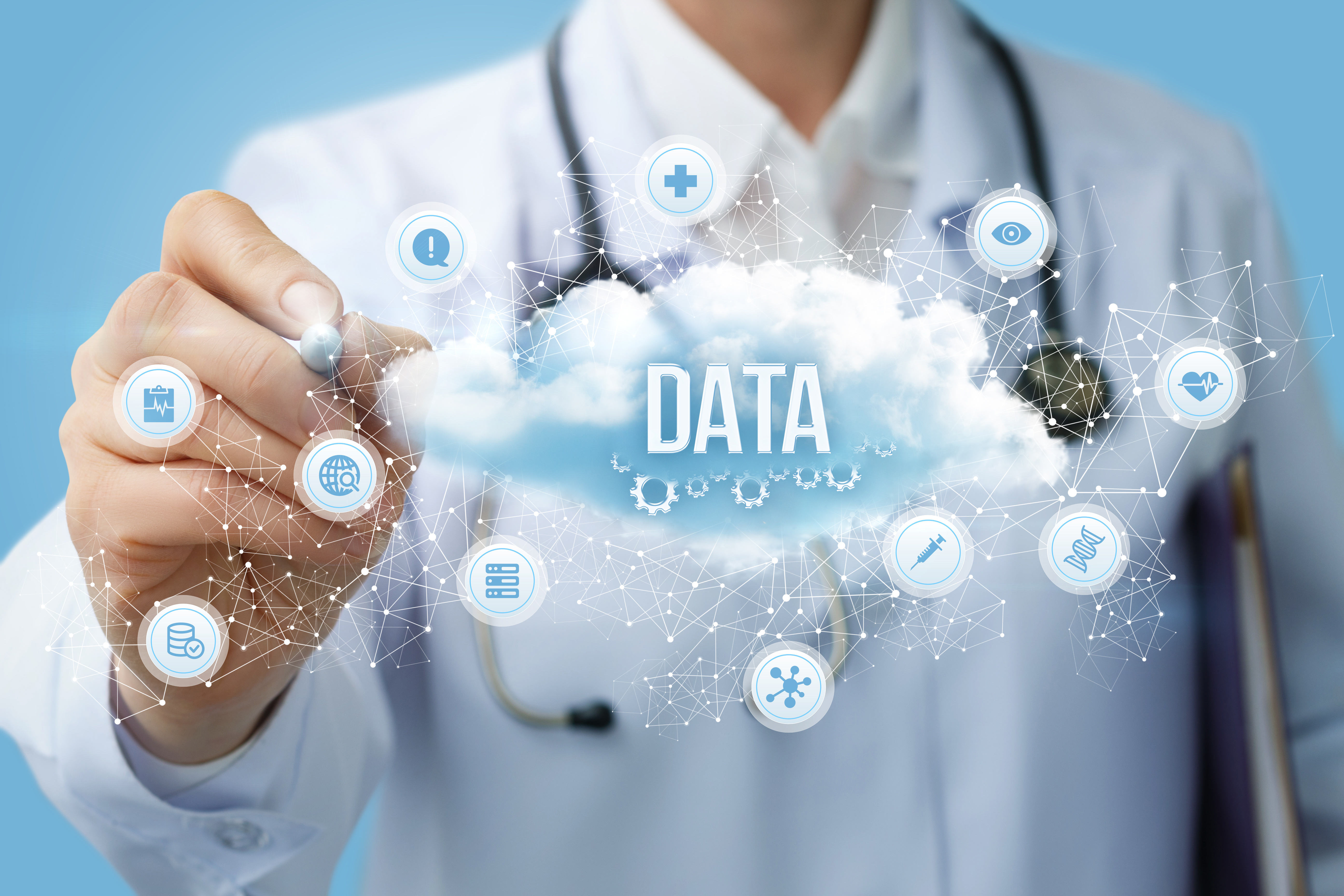 Medical professional points to healthcare data and chart abstraction in the cloud | core measures | Primaris