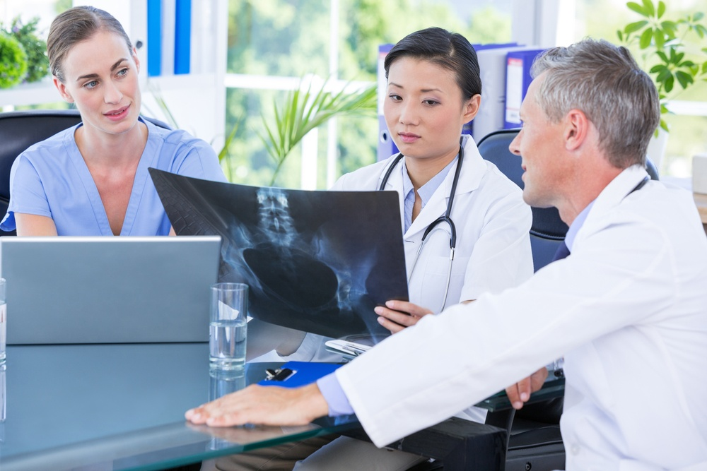 Group of doctors talk about CMS removing chronic care management payment barriers and focusing on preventive care.